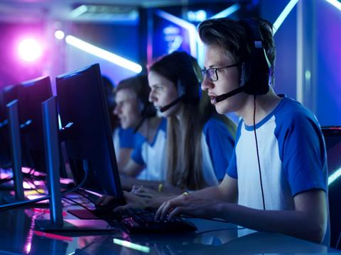 Esports Marketers Embrace Influencers