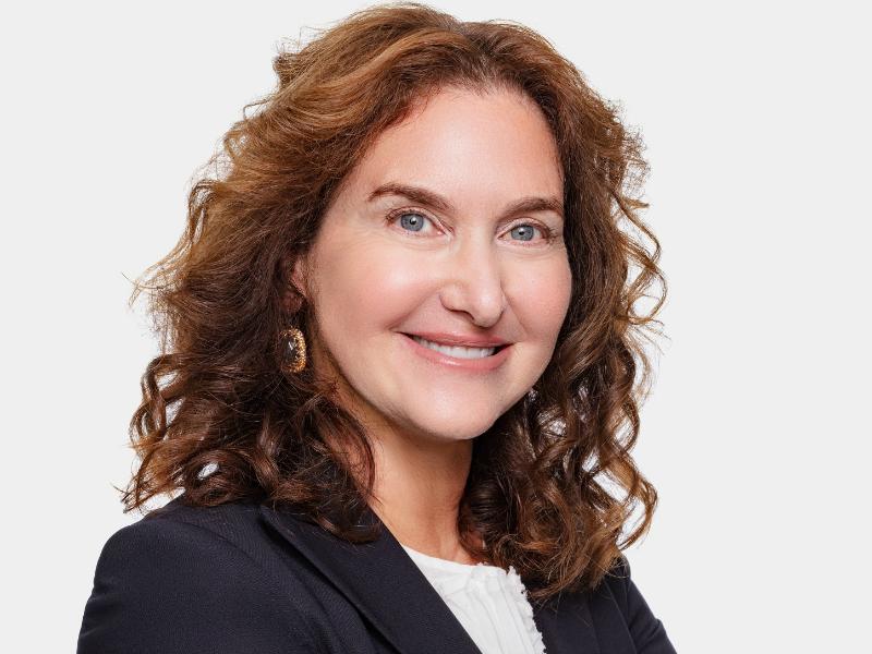 Karen Kahn To Receive Individual Achievement SABRE Award In New York