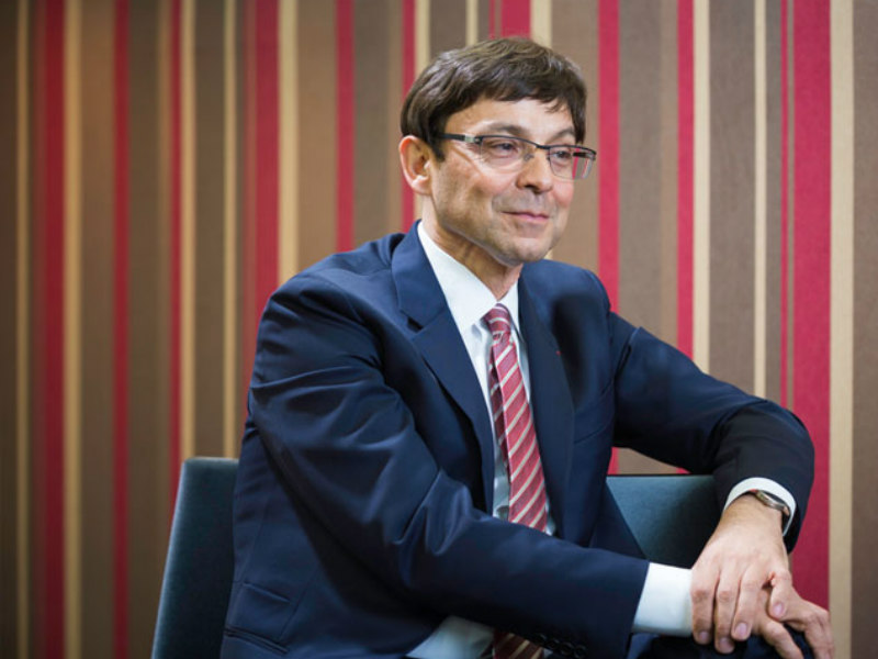 Asia-Pacific PR Pioneer Serge Dumont Steps Down From Omnicom