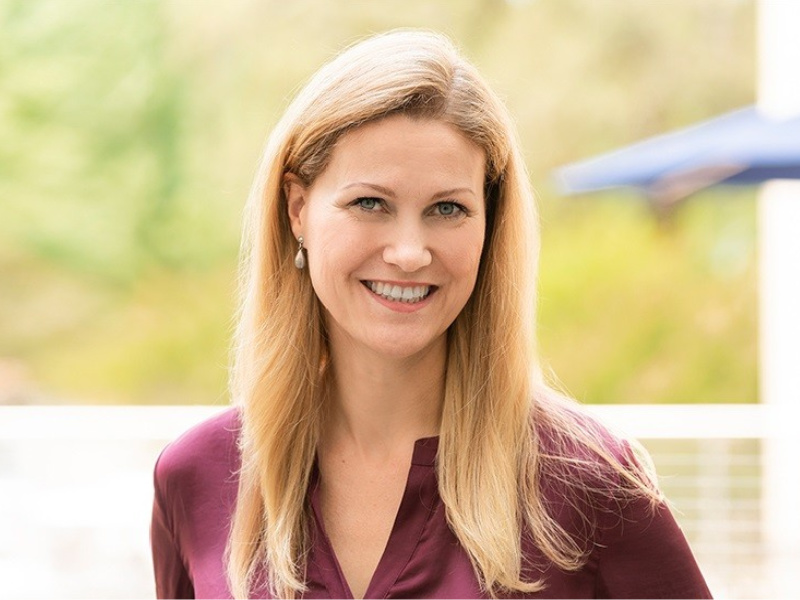 Intel Names VMWare's Claire Dixon As CCO