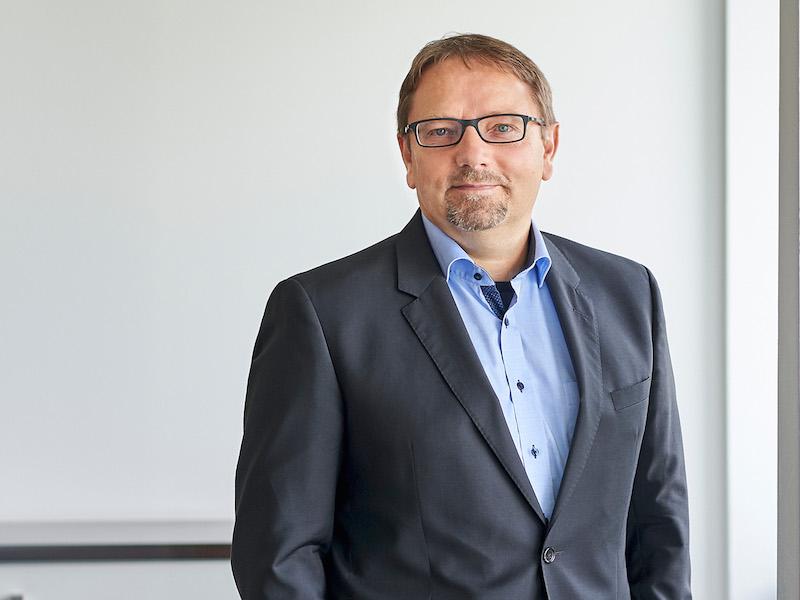 Hering Schuppener Hires Thomson Reuters Editor As Frankfurt MD
